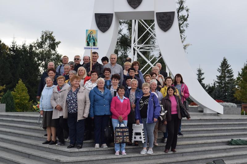 Pielgrzymka Róż Żywego Różańca do Sanktuarium Jana Pawła II do Krosna